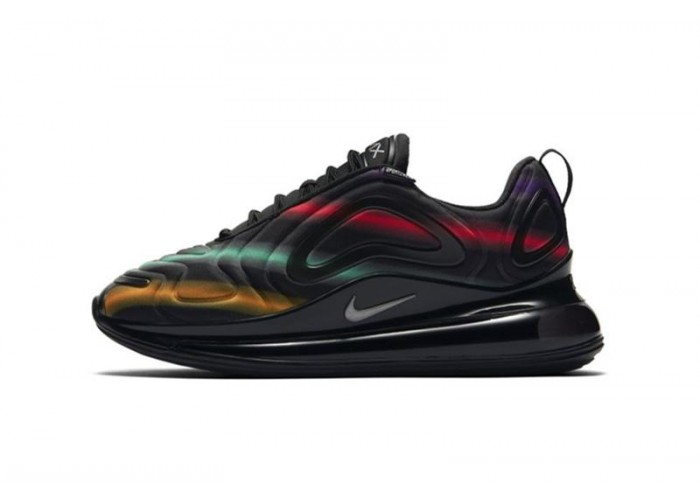 Кроссовки NIKE AIR MAX 720 BLACK METALLIC SILVER UNIVERSITY GOLD (36-45)